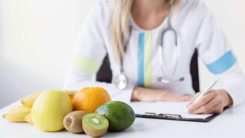 Nutricionistas profesionales: su papel en la sociedad y cómo pueden ayudarte